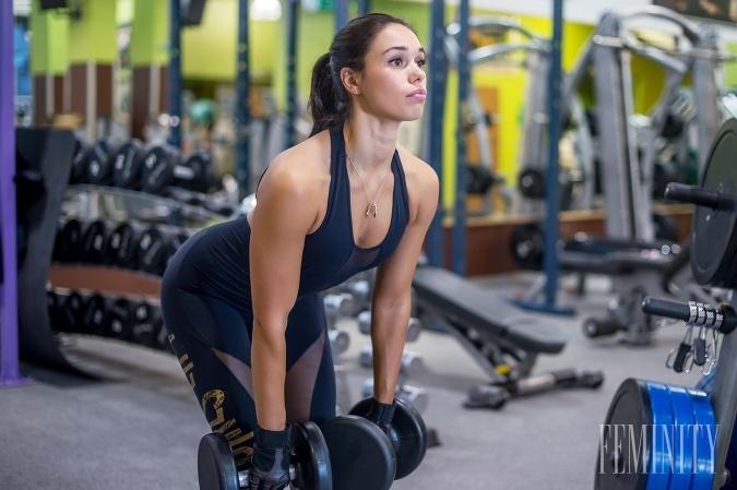 Jeden jediný cvik, ktorý by mala robiť každá žena: Tento vám vypracuje ruky, chrbát i zadok zároveň!