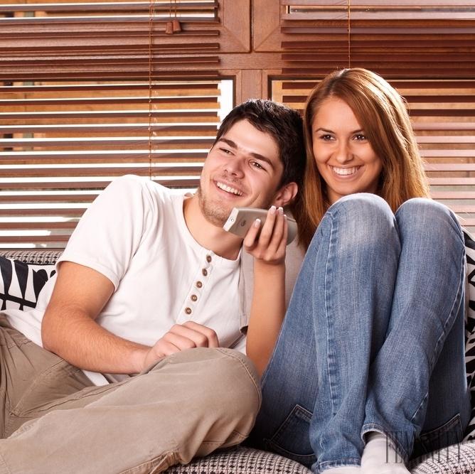Zatial spolu zatim zivi online dating