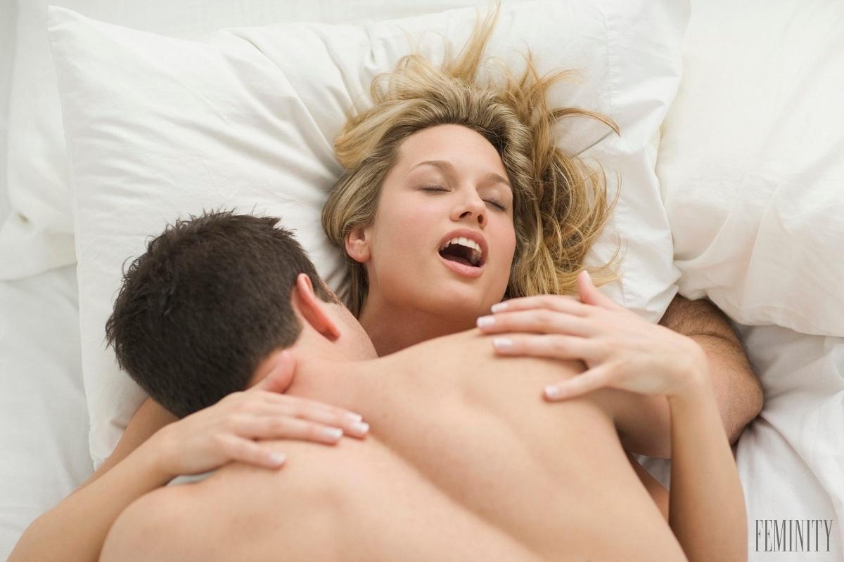 sochi-razvlecheniya-smotret-onlayn-porno-video-zhenshina-konchaet-iz-vlagalisha-techet-sperme-foto
