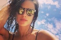 ... Speváčka Rihanna · Modelka Alessandra Ambrosio a8899ef964