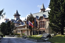 Vstup do Grand Hotel Kempinski High Tatras