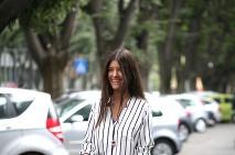 ... Streetstylové ikony z celého sveta počas fashion weekov bodovali aj v  pyžamových outfitoch ... c0f911d0cb9