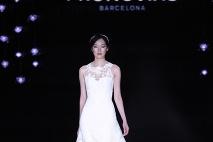 ... Módna značka Pronovias patrí medzi top značky tvoriace svadobné šaty ... 739d3d860a7
