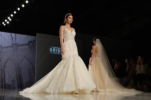 Nádherné šaty na Barcelona Bridal Fashion week