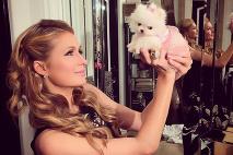 Paris Hilton dáva fajčenie
