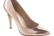 46377bf003 50 tipov na topánky a oživenie vášho botníka  V kurze sú veľmi ...