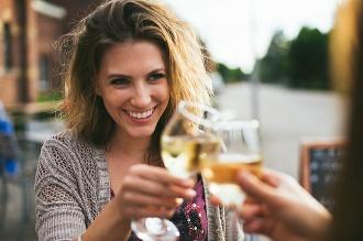 Už poznáme výhercov súťaže o kartón vína na dámsku jazdu!