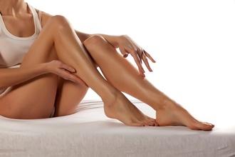 Takto vám vydržia oholené nohy dlhšie: Stačí dodržať tieto dva kroky