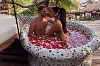 Dokonalý pár, ktorý sa obklopuje tým najúžasnejším luxusom: Tieto zábery vám vyrazia dych