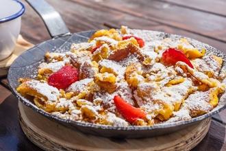 Vynikajúci cisársky trhanec s jahodami: Špecialita rakúskych kráľov, ktorá vám spraví deň sladším