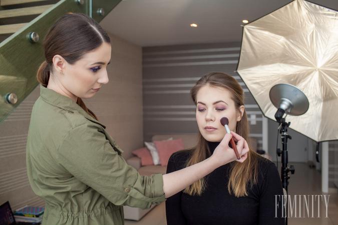 Make- up artistka a