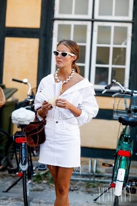 Trendy rifľové sukne stále
