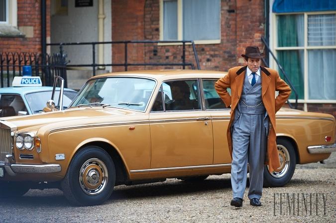 V hlavnej úlohe seriálu A Very English Scandal sa predstavil Hugh Grant a jeho výkon bol ospevovaný.