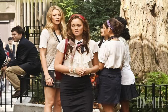 V seriáli Gossip Girl,na motívy knihy Cecily von Ziegesar, vystupujú mladí a bohatí žijúci v new Yorku na Upper East Side na Manhattane.