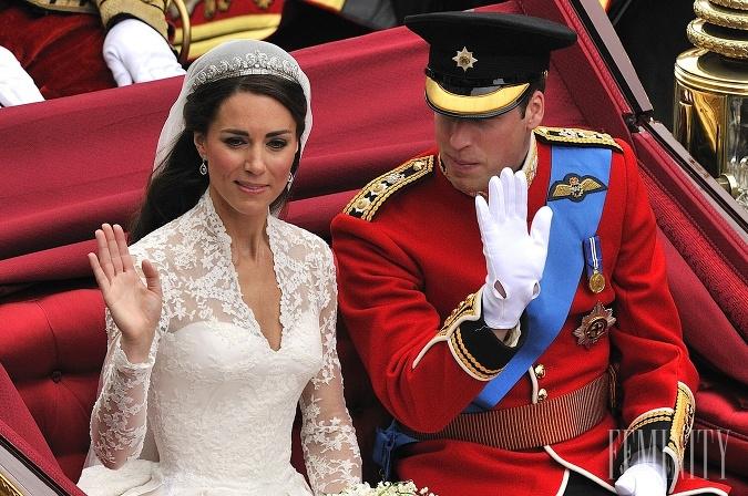 Kate si obliekla svadobnú róbu z dielne módneho domu Alexander McQueen