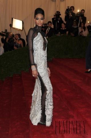2aac50757d0d Celebrity ako princezné  Ktorá je naj  Chanel Iman