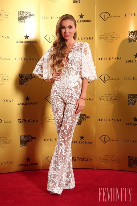 Fashion Sparkling Charity Night 2018  Mária Bartalos stavila na ... 8cb599fb207