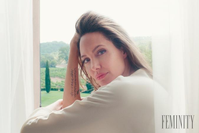 3c76a5d91 Ako sa rodí parfum, ktorý je odrazom múzy Angeliny Jolie? V takejto ...