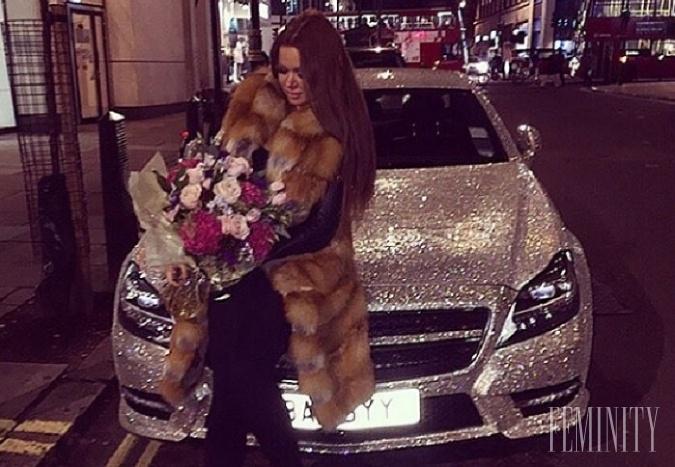 Charita, alebo maketingový ťah? Najdrahšie auto si bohatá študentka nakoniec nechala!