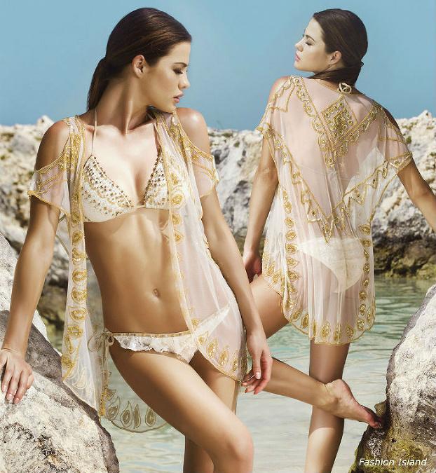 a07e4cae3 Najkrajšie plavky na leto 2015: Trojuholníky tvarujú krásne prsia ...
