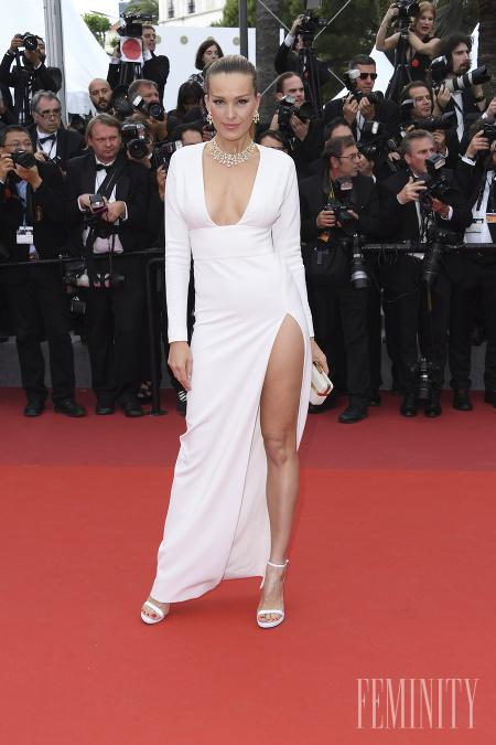 ff8f3c9f2cb5 Najkrajšie róby z filmového festivalu v Cannes  Sexi Emily ...