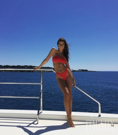 872f085c4 Najkrajšie plavky v podaní sexi modelky Emily Ratajkowski ...