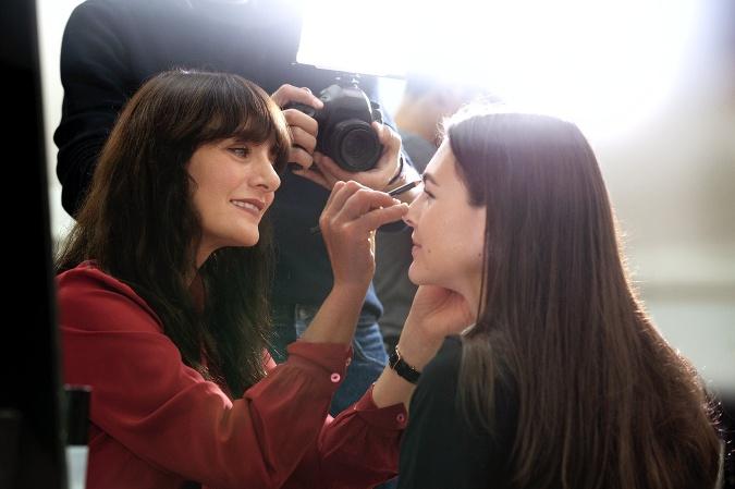 Kreatívna riaditeľka pre Chanel Make-up Lucia Pica vás prevedie najnovšími trendmi v líčení na sezónu jar/leto 2020