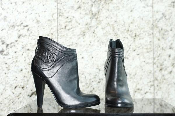 Kotníkové kožené topánky, guess 215€