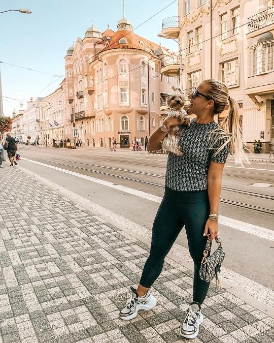 5be6dfd78 Tenistka Dominika Cibulková prepadla trendu sadle bag od módneho domu Dior