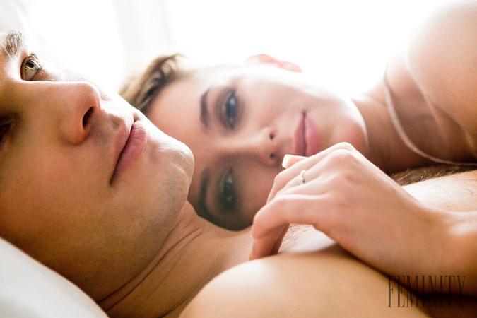 MILFs majúce sex s mladými mužmi