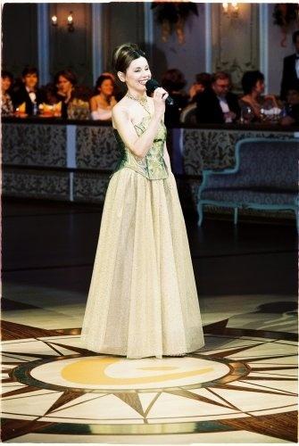 e82163bd8599 Moderátorky Plesu v opere za posledných 18 rokov  Kráľovná plesu ...