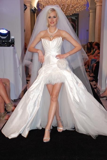 93a234bd9766 Svadobné šaty od Jany Pištejovej čakajú aj na vás! - galéria