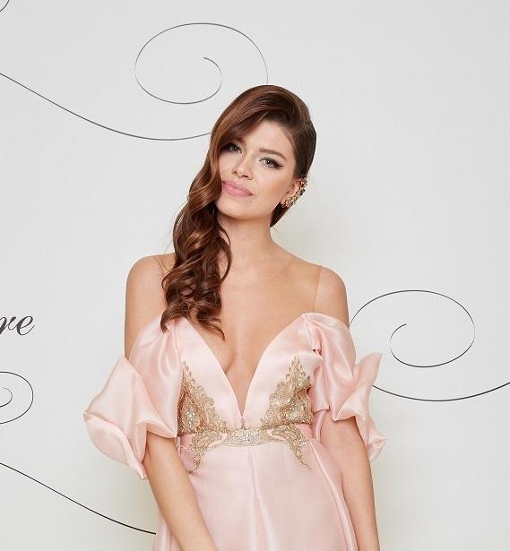 Riaditeľka Miss Slovensko Karolína Chomisteková zvolila bezchybnú vizáž 9564e4b41ff
