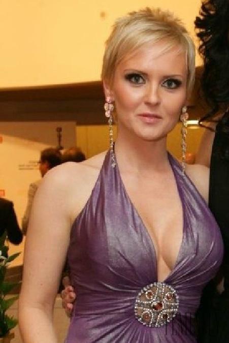 ester ládová krásná prsa