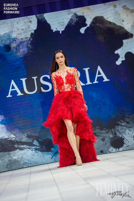 "ea6de88da820 Slovenský ""fashion week"" Eurovea Fashion Forward 2017  Túto novinku ..."