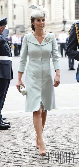 c829d5d27380 Vylepšujúce módne pomôcky Kate Middleton  Vďaka tomuto sa vám nebudú ...
