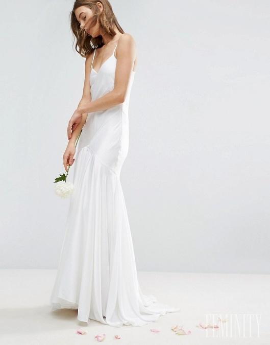 Dievčenské ľahké a romantické šaty si vieme predstaviť pre jemné typy žien 9b5c6c370d1