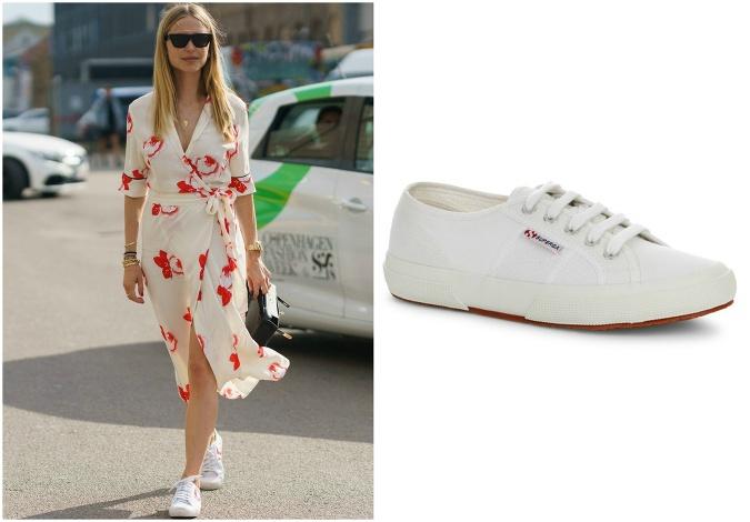 6df366230a4b Kvetinové šaty a biele tenisky  Okúzľujúca kombinácia