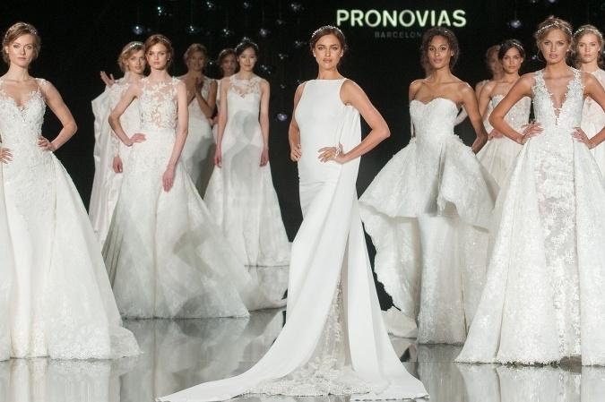 0ea516e382d7 Najznámejšia značka svadobných šiat Pronovias predstavila najnovšiu  kolekciu na rok 2017