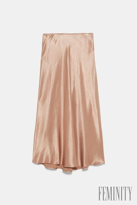 3881a3604c Saténové midi sukne  Móda sa opakuje a z bielizňových šiat sa stala ...