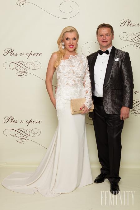 e96f1a4e9423 Riaditeľka módnej televízie Fashion TV Gabriela Drobová v róbe od Alžbeta  Ondriš   Zarina Šimkovič
