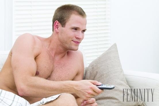 mama masturbuje sledovanie porno