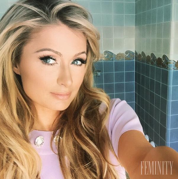 Paris Hilton dáva fajčenie chudá dievčatá majúce análny sex