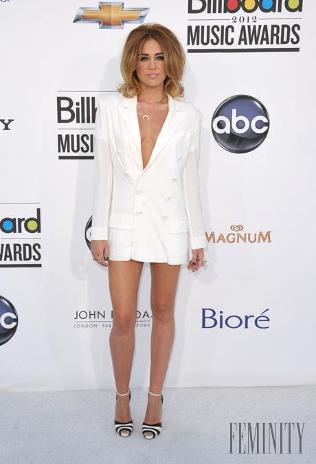 Miley Cyrus majúce sex videá