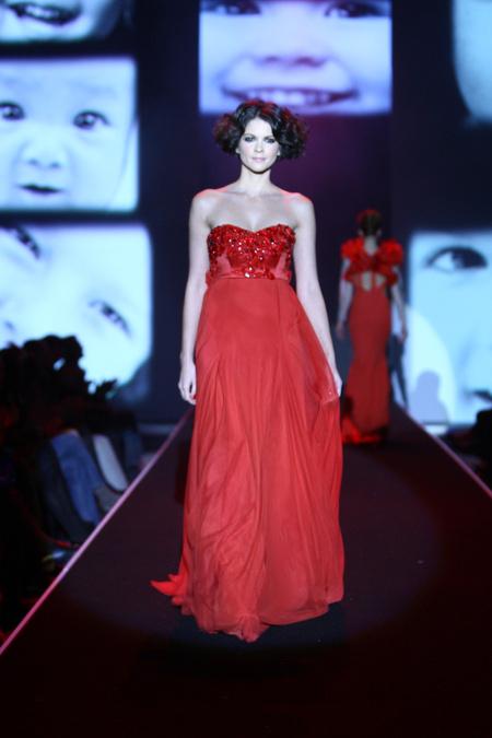 Kolekcia Jany Gavalcovej na Orange Fashion Show 2011 a871ac0e80