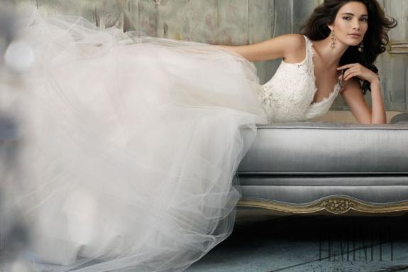 73483d5d2a67 Najkrajšie svadobné šaty na rok 2013!