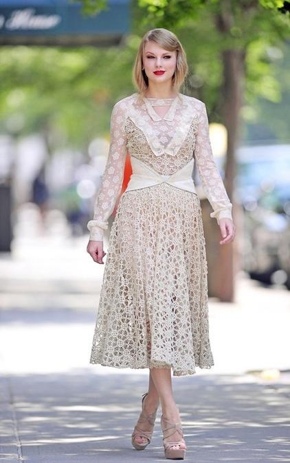 6b553851d61 Najkrajšie háčkované šaty  Noste ich ako tieto celebrity! - galéria ...