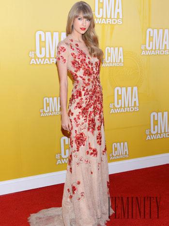 84c02b5d10f0 Hľadáte spoločenské šaty  Inšpirujte sa Taylor Swift - galéria