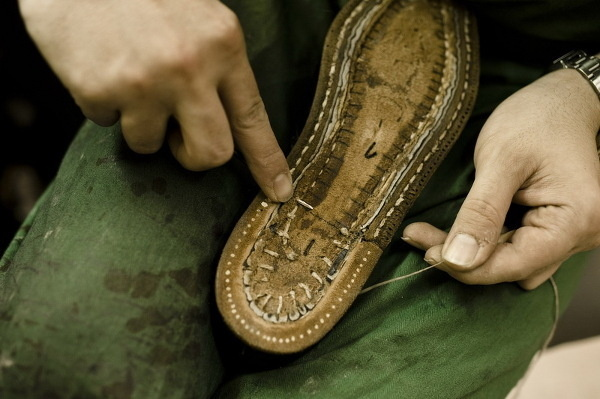 7b58f5e231 Ako vznikajú luxusné topánky na mieru - galéria