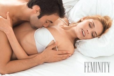 lesbické Sleepover orgie